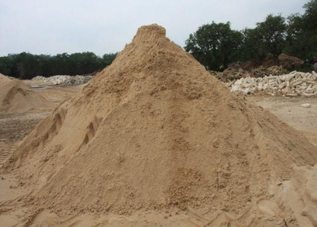 Areia Lavada, Barro, Saibro,capa de areola e areola, direto da extração