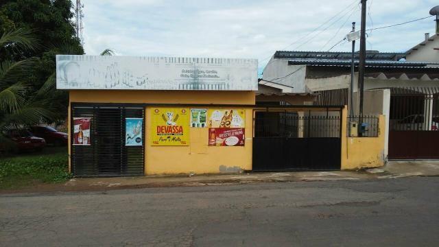 Aluguel casa e um comércio no qual funciona uma Distribuidora