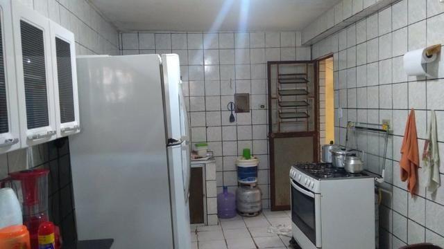 Vende-se um Prédio com 3 Casas - Foto 13