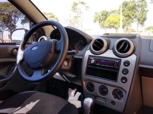 Ford Fiesta 2014 1.6 - Foto 3