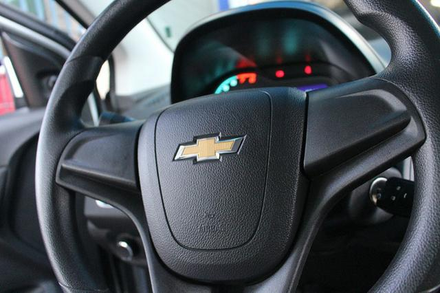 Gm - Chevrolet Onix LT 1.0 Flex 2018 - Foto 12