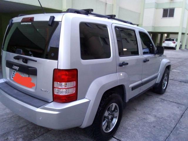 Jeep Cherokee - Foto 3