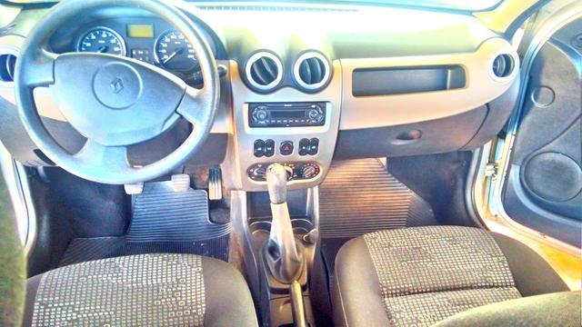 Renault Sandero - carro de mulher - Foto 4