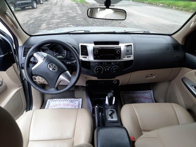 Toyota hilux sw4 sr top flex com gnv ano 2014 - Foto 10