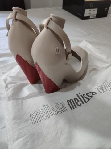 Sandália de marcas - Foto 2