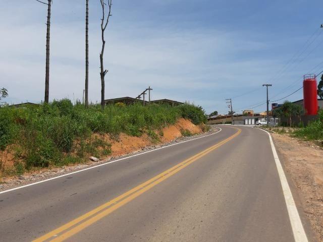 Área Localizada a apenas 120 metros da Rodovia do Xisto/Araucária