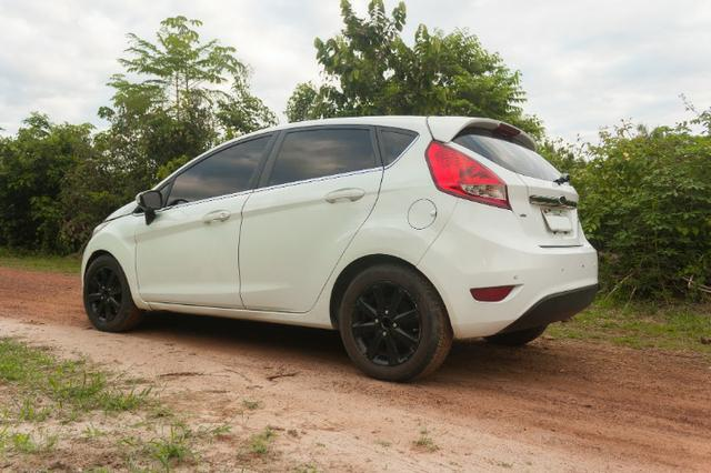 Ford Fiesta Hatch SE - Excelente estado - Foto 4