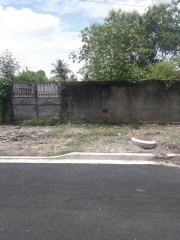 Terreno murado e escriturado