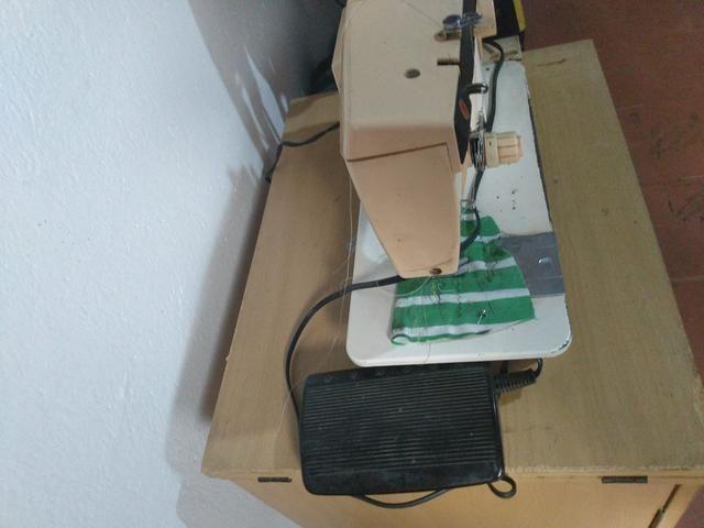 Máquina de Costura Singer 3930 Facilita Master - Foto 3