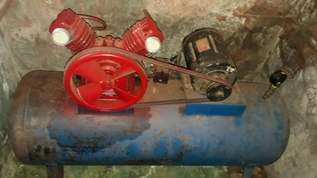 Compressor de ar 220/trifasico valor 1.000 reais - Foto 3