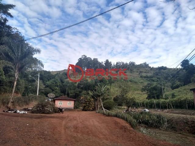 Excelente sítio com 2 casas de caseiro e com 207 mil m² de terreno em São José do Vale do  - Foto 6