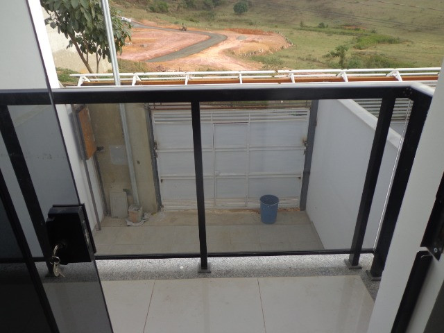 Bairro Jardim dos Alfineiros - Linda casa de 2 quartos quintal plano e murado e 2 vagas - Foto 9