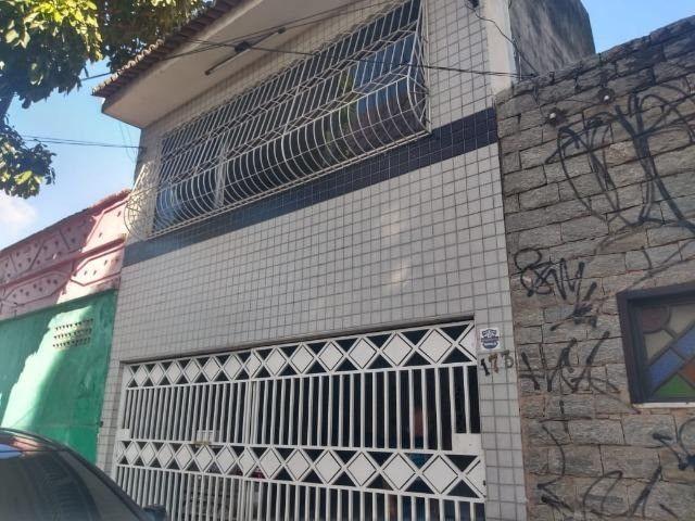 Casa Duplex Praça da Gentilandia 450.000 04 Quartos sendo 02 Suites 03 Salas