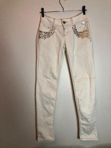 Calça Branca Customizada - Colcci # 38 - Foto 2
