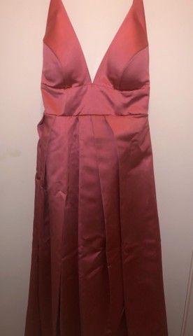 Vestido de festa rosa com fenda - Foto 4