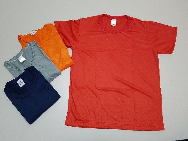 Lote de camisetas promocionais sem estampa