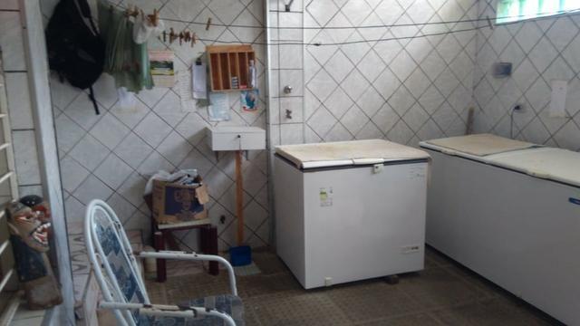 Vende-se um Prédio com 3 Casas - Foto 14
