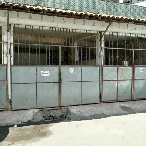 Vendo garagem coberta e fechada em pernambues