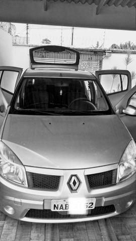 Renault Sandero - carro de mulher