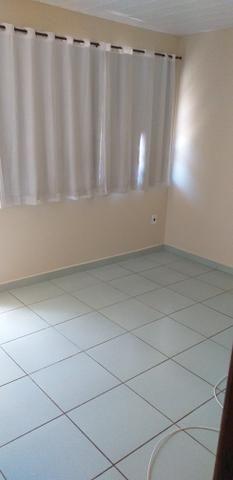 Alugo apartamento frente