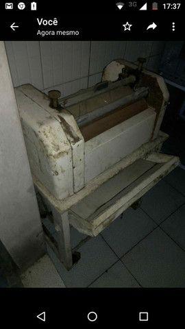 Modeladora e cilindro de padaria e balcao top, 2 armarios de paes - Foto 2