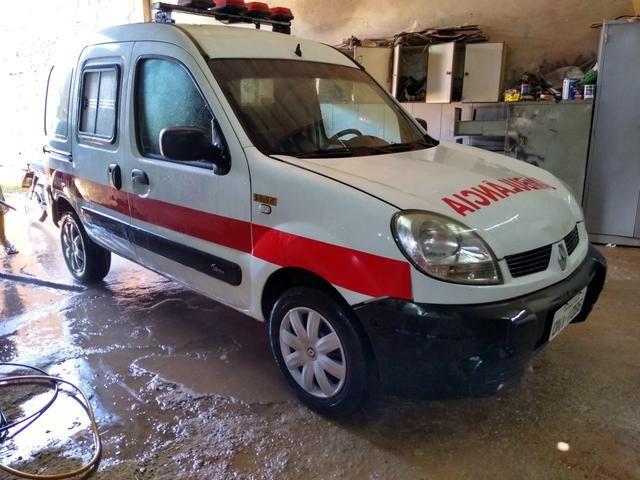Ambulância kangoo - Foto 2