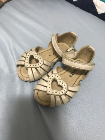 Sandálias para bebê - Foto 4