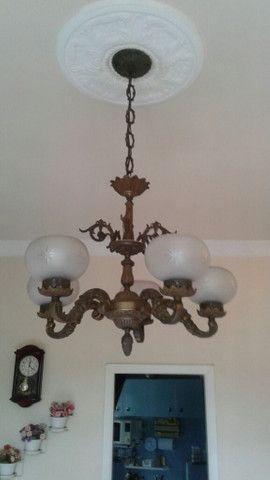 Lustre e luminárias de bronze