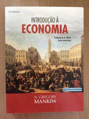 Livro INTRODUÇÃO À ECONOMIA - N. Gregory Mankiw