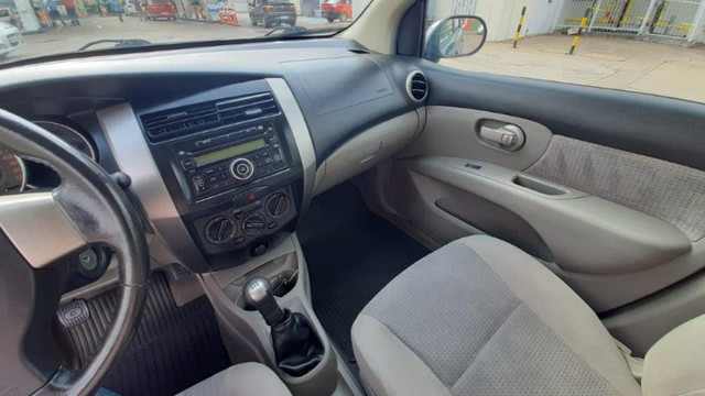 Nissan Livina SL 1.6 Cinza 2010 Completa, Carro em Excelente Estado - Foto 12