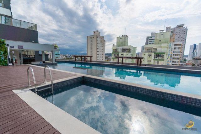 Apartamento 03 Suítes - 03 Vagas de garagem - Sacada com churrasqueira - Vista Mar - Foto 8