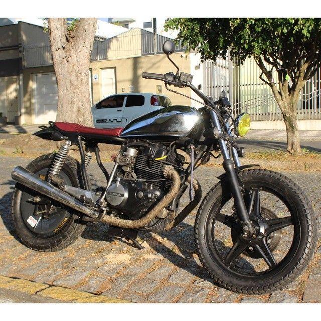 Moto Coffe Racer Custom - CB 400 82 Estilizada Tracker 1982