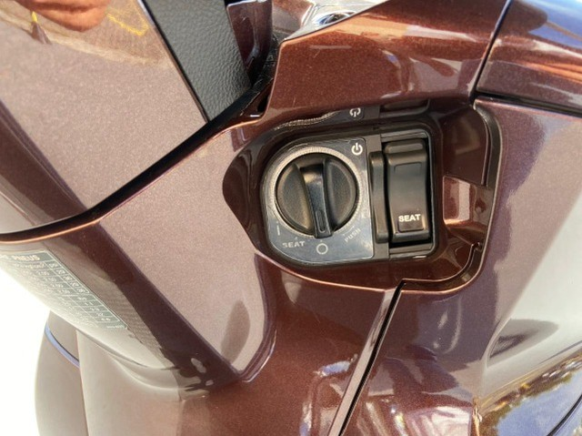 Honda SHI 300 Estado de Zero Pouco Rodada - Foto 7