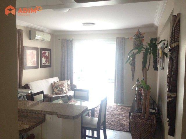 Apartamento diferenciado, 01 suíte + 01 dormitório, 01 vaga de garagem privativa, no Edifí
