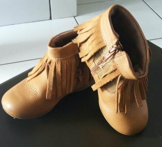 Botas bibi tamanho 24