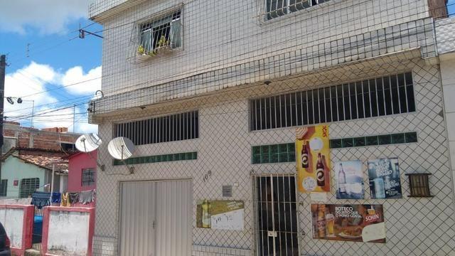 Vende-se um Prédio com 3 Casas - Foto 2