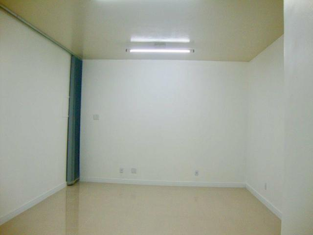 Sala Renascença R$ 900,00 próx Shopping Tropical, cond incluso - Foto 3