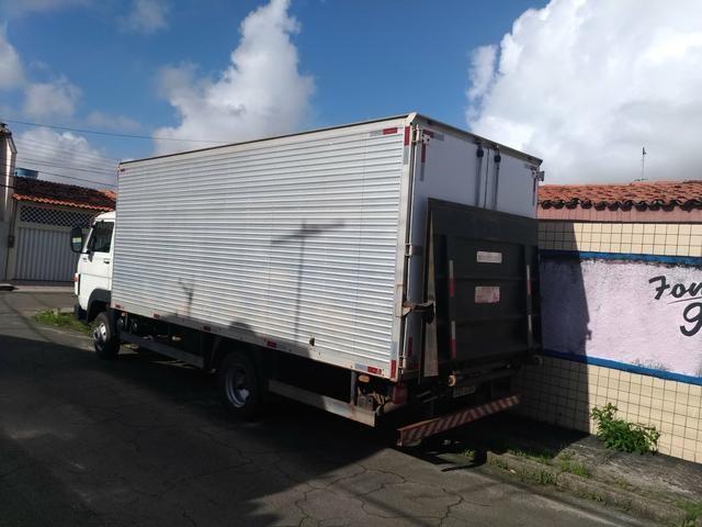 Caminhão Baú 8.160