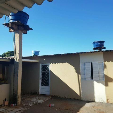 Casa asfalto com edicula nos fundos da financiamento aceita carro - Foto 5