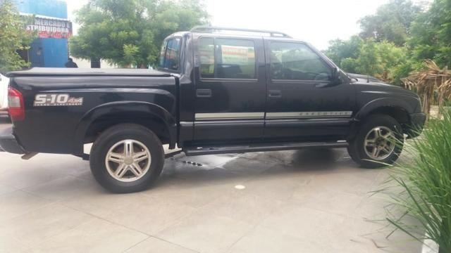 S10 Executive 2.8 4x4. Preta,Diesel
