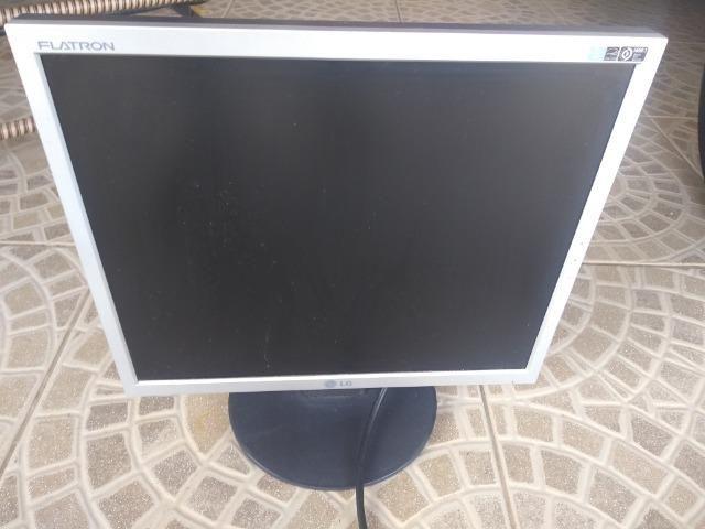 Monitor LG para consertar - Foto 3