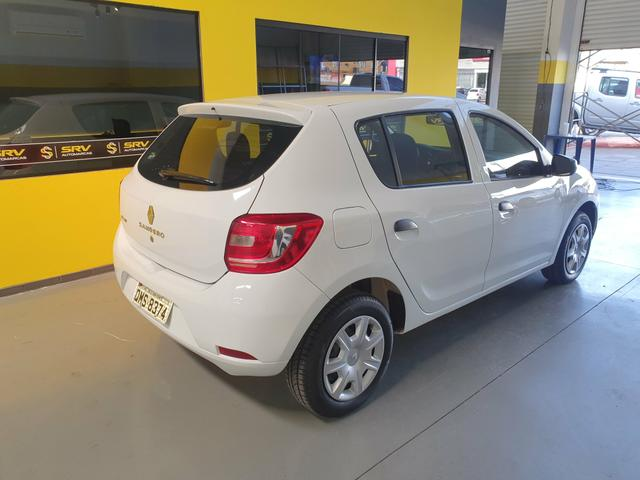 Sandero autntic 1.0 3cc Novo carro revisao no manual - Foto 4