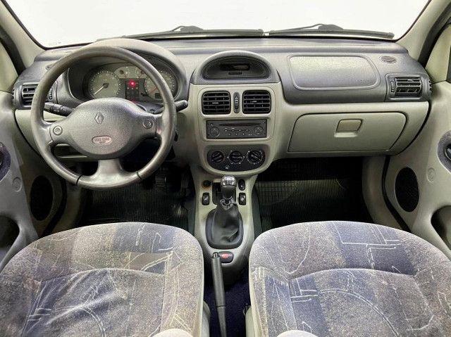 Renault Clio Sedan 1.6 Privilege 2005/2006 - Foto 7