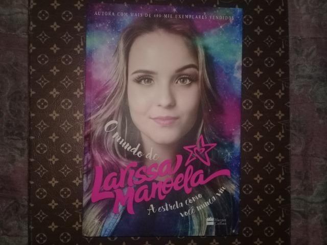 46e25310a07f8 Livro O Mundo de Larissa Manoela - Acompanha Pôster em ótimo estado ...