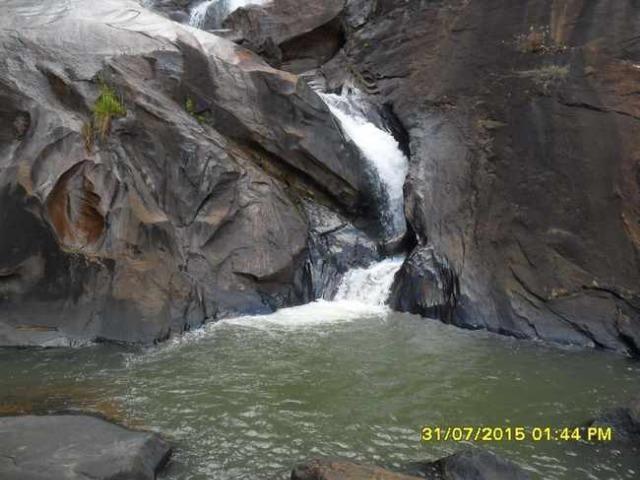 1683/Terreno de 3,19 ha com linda cachoeira e ótima localização