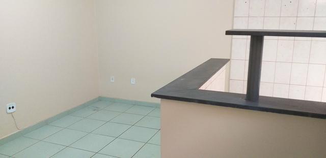 Alugo apartamento frente - Foto 2