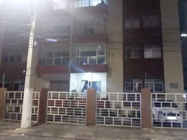 Apartamento com 04 quartos na Mangabeiras, pertinho da praia