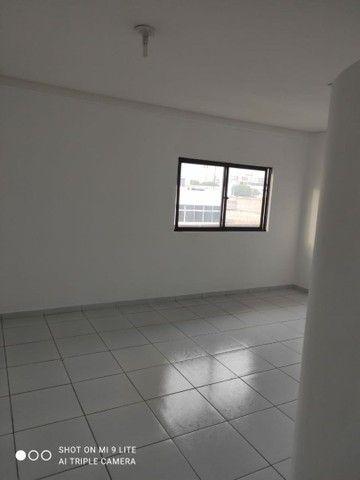 Aluga-se apartamento no centro de Petrolina - Foto 2