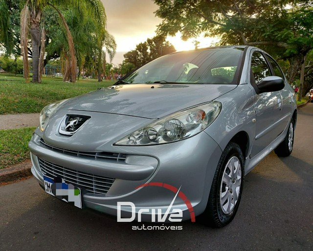 Peugeot 207 1.4 XR Flex 2012