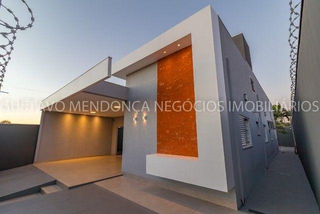 Belíssima casa-térrea no bairro Vila Morumbi (Ao lado do Rita Vieira e Vilas Boas)